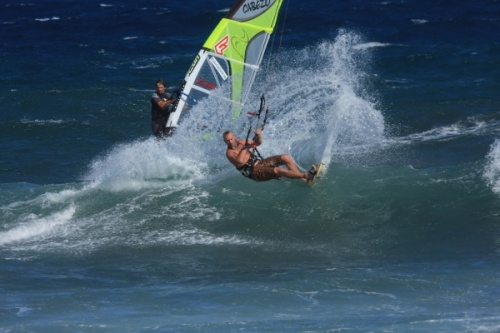 Kitesurfing in El Cabezo is great fun