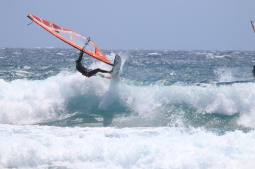 Wave windsurfing at El Cabezo in El Medano 13-05-2018
