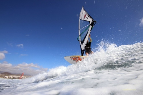 Wave windsurfing at El Cabezo with 30 knots wind 12-11-2016