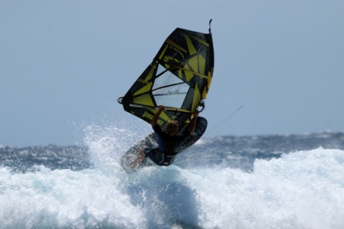 Windsurfing and kitesurfing at Harbour Wall in El Medano Tenerife 24-03-2014
